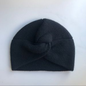 Aritzia Auxiliary Cashmere Knotted Hat Toque